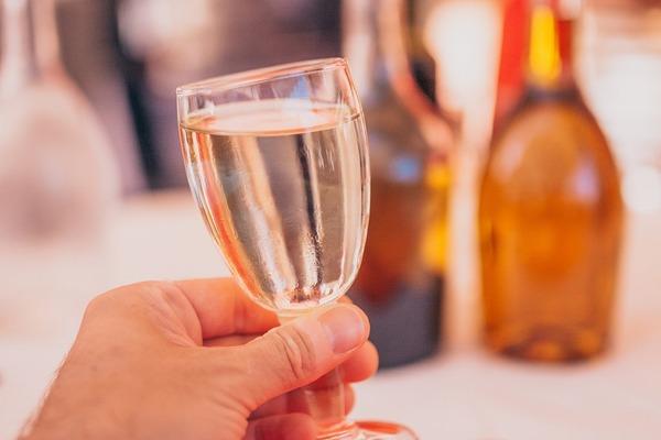 お酒が飲めない人必見! フレンチではほかの飲み物でも楽しめます
