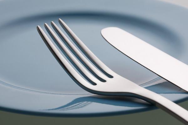 知っておきたいフレンチのテーブルマナー ~ナイフとフォークの使い方~