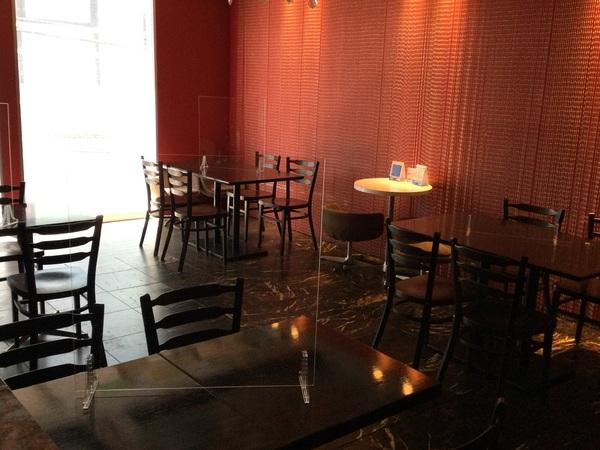 本日ランチ・ディナー共にお席ほぼ満席です。明日日曜日おすすめいたします。